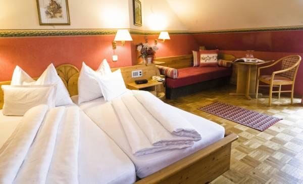 Hotel Weingasthof Donauwirt, Weissenkirchen in der Wachau, Rakousko
