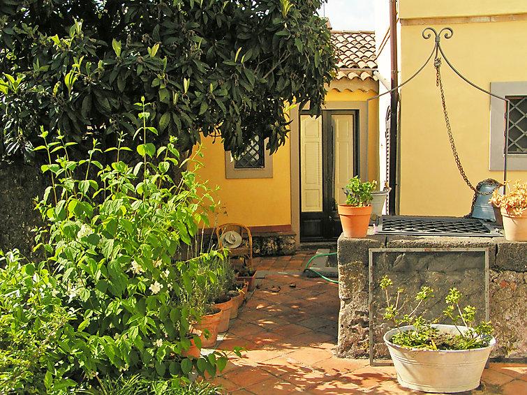 Ubytování v Itálii, Nicolosi